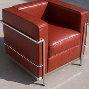 Кожаное коричневое кресло Лекор
